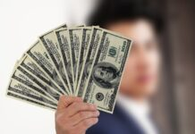 Venda de dólares conjugada com swaps