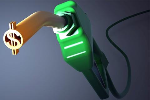 Preço médio da gasolina cai