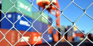 Burocracia trava comércio exterior