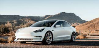 Produção do Tesla Model 3 provoca escassez de baterias