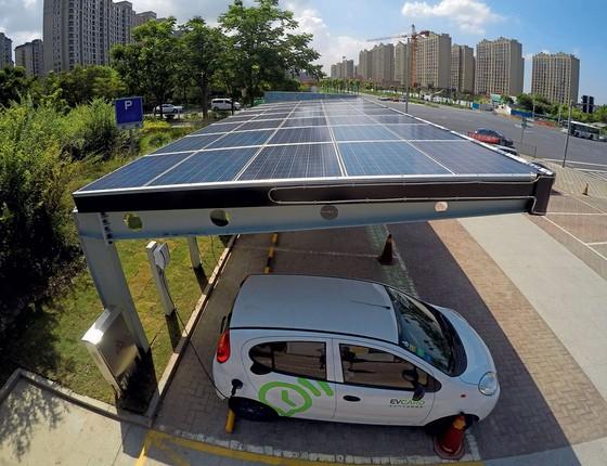 Donos de carro elétrico contam quanto pagam de conta de luz aqui no Brasil