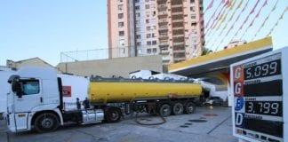 Restrição para caminhões que transportam combustíveis entra em vigor novamente em São Paulo