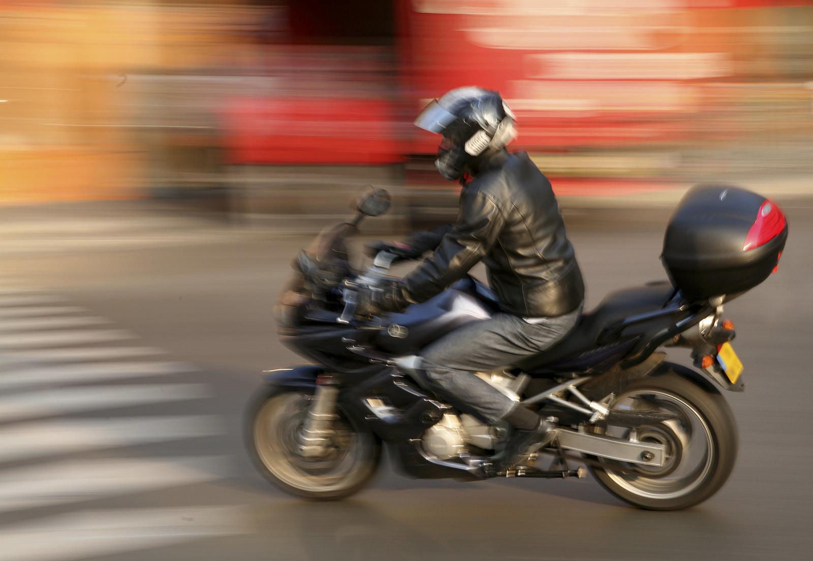Falta mais atenção às motocicletas