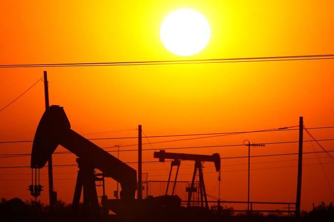 Petróleo despenca quase 7% em Londres com tensão EUA-China