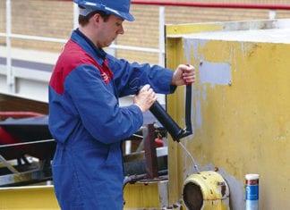 Figura 11 - Pistolas graxeiras são instrumentos de lubrificação simples e práticos