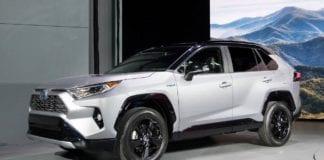 Novo Toyota RAV4 2019 aparece em registro de patente no Brasil