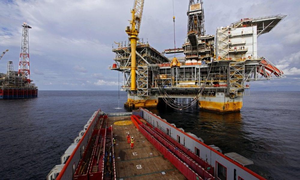 Offshore contrata para embarcar imediatamente