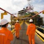 Petrobras e Total arrematam lotes de 2º leilão de petróleo da União
