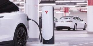 Tesla compra empresa
