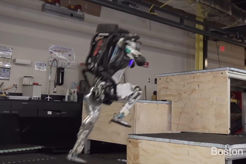 Robô da Boston Dynamics já empilha caixas 'sozinho'