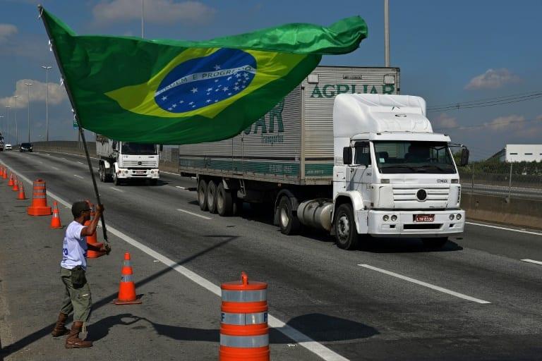 BNDES abrirá linha de crédito para caminhoneiros autônomos