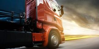 Caminhões mantêm ritmo forte