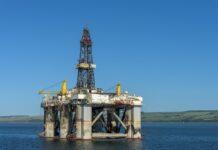 Preços do petróleo despencam