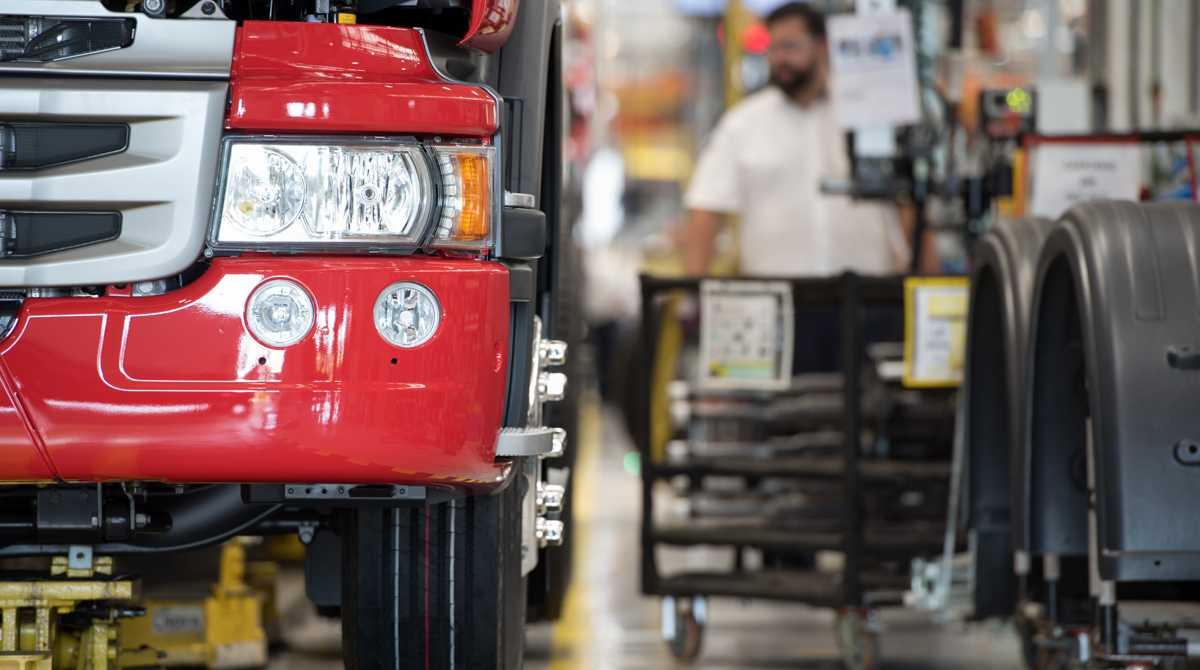 produção de caminhõesem maio