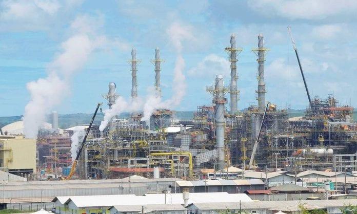 venda de quatro refinarias