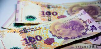 Peso argentino cai 17,6%