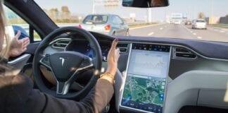 Tesla Autopilot 100% autônomo