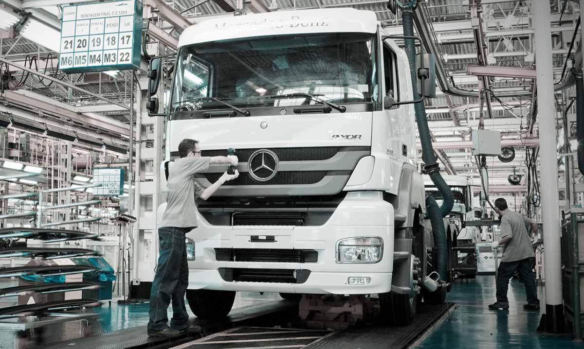 Produção de caminhões cresce