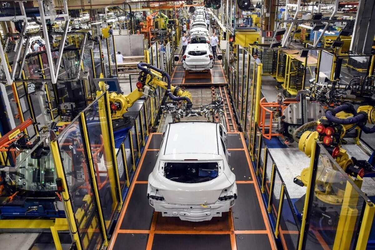 GM suspende produção do Onix