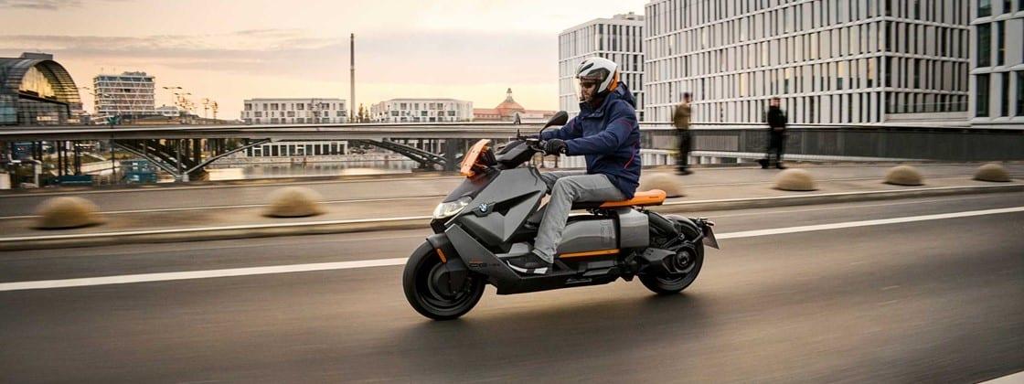 BMW lança scooter elétrica